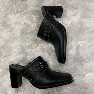 Gianni Bini Sz 7.5 Black Leather Block Heal Mules